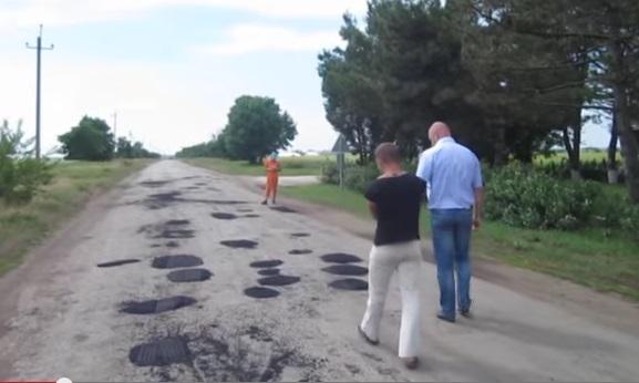 Крымские строители оказались не способны ремонтировать дороги